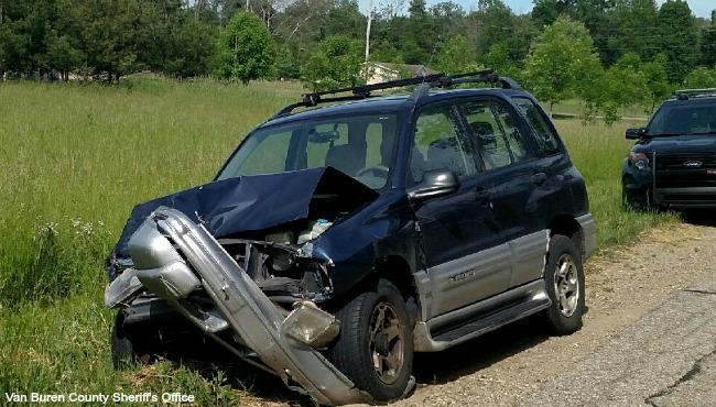 Van Buren County drunk driver hits 2 cars 060216_219029