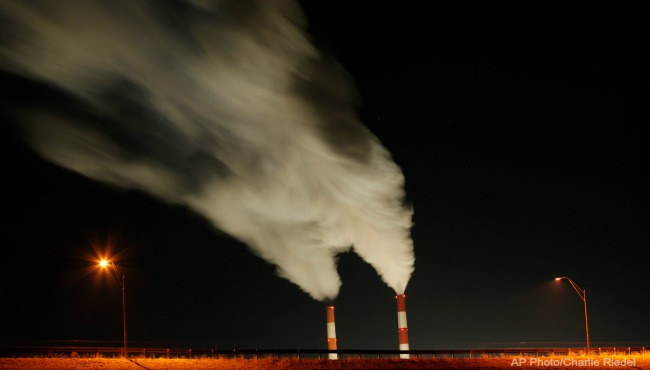 fossil-fuel-pollution-ap_252757