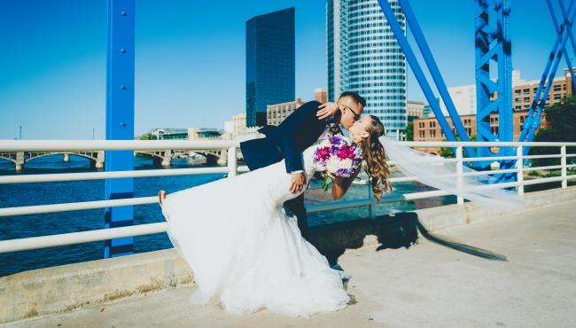 Grand Rapids kristen dating familie mot Interracial dating