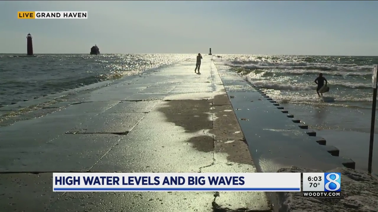 High water levels and big waves