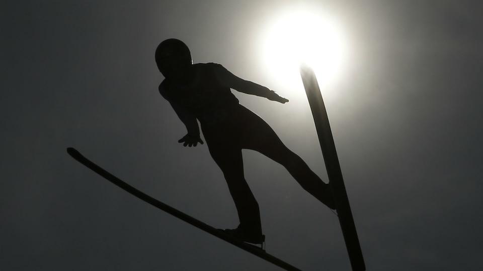 ap-ski-jumping-sun_474373