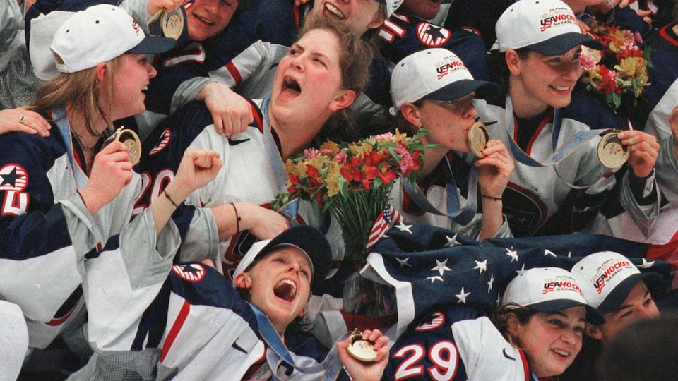 us-womens-celebration-98-gettyimages-452572176_474412