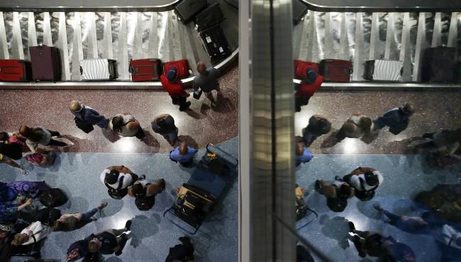 generic travel travelers las vegas airport AP 080718_1533655245738.jpg.jpg