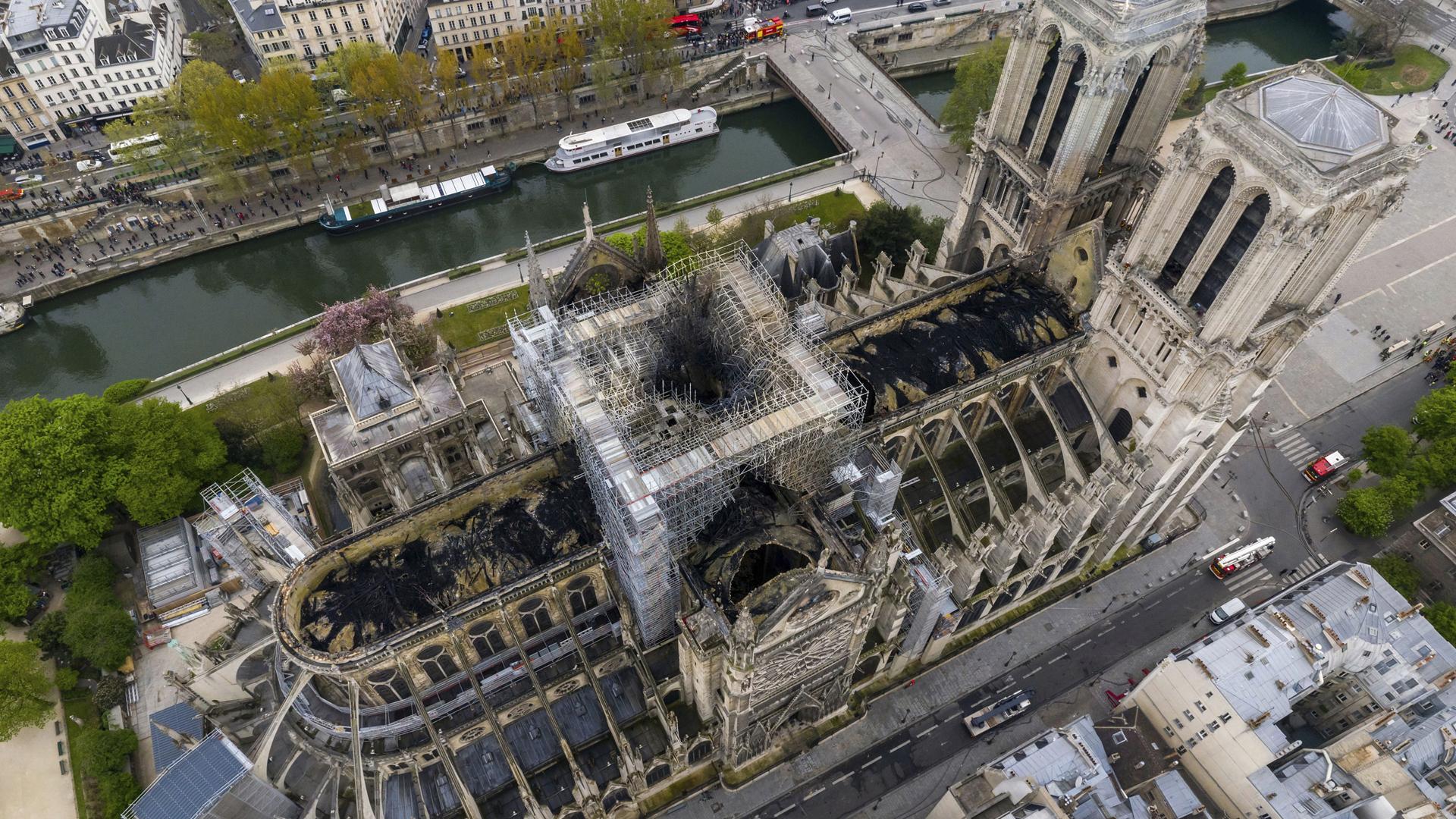 Notre Dame fire damage 041719 AP_1555552442611
