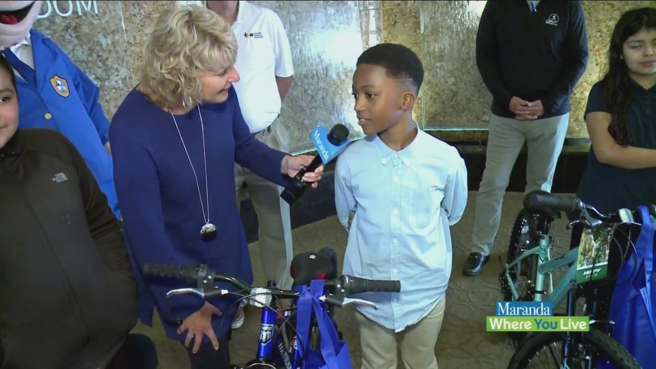 Four_lucky_students_get_new_bike_from_Am_0_20190514163227