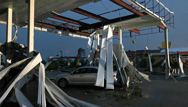 Missouri tornado AP 052319 2_1558616112683.jpg.jpg