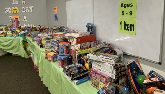 A photo of a Christmas gift giveaway hosted by the Kalamazoo Deacons Conference. (Dec. 13, 2019)