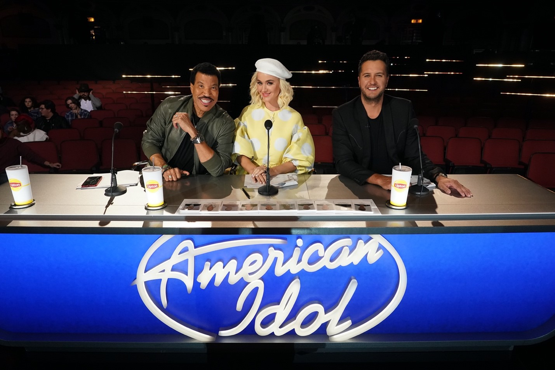 American Idol Hollywood Week Kicks Off With A Surprise Twist