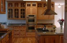21 Stylish Maple Kitchen Cabinets Thats Over Your Head