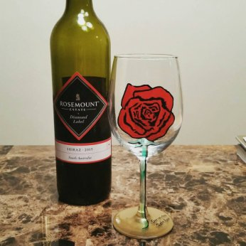 IndieOwl Rose Wine Glass