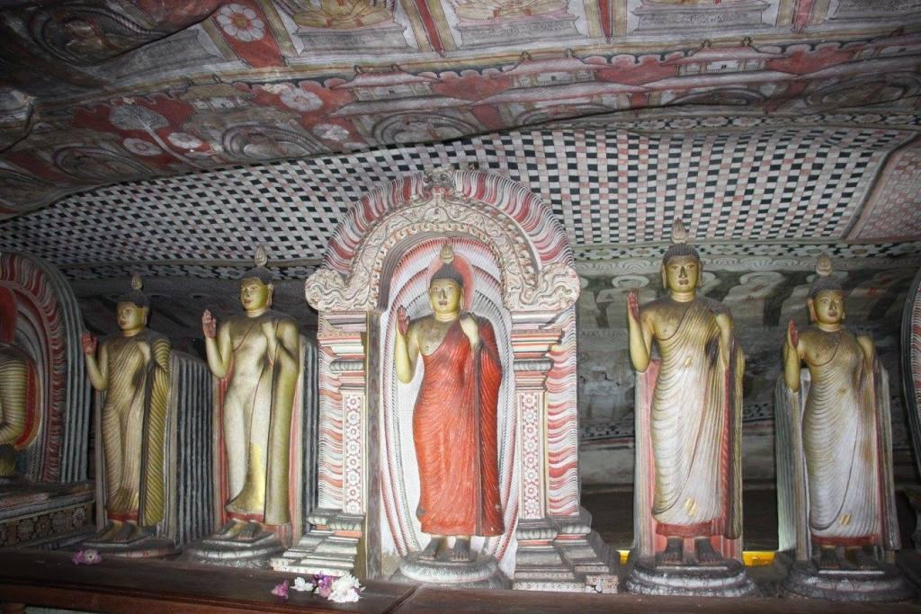World Asia Sri Lanka Dambulla Temple www.woodyworldpacker.com
