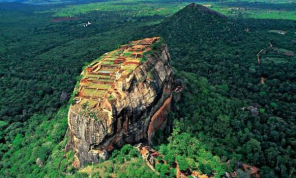 World Asia Sri Lanka Sigiriya Rock www.woodyworldpacker.com