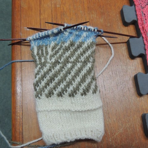 Unfinished traditional mitten