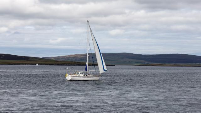 Seasonal sailors
