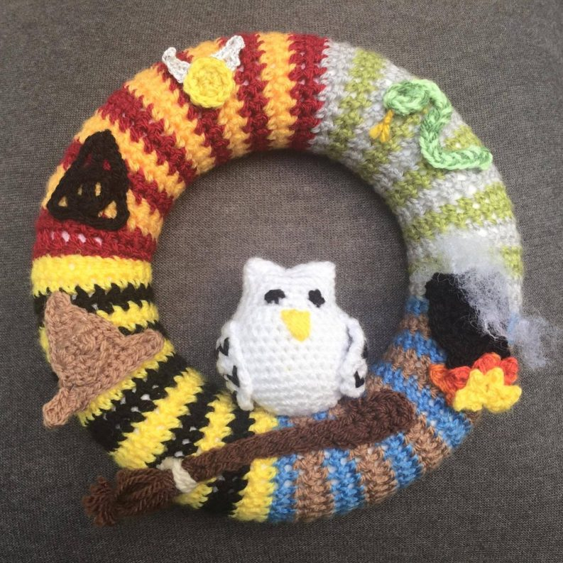 79) You're a wizard Harry! Fantastic wreath for any Potter fan!