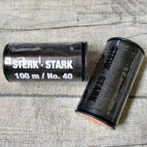 Jeansgarn Ledergarn schwarz 100m Stärke 40 Polyester Goldmann - Woolnerd