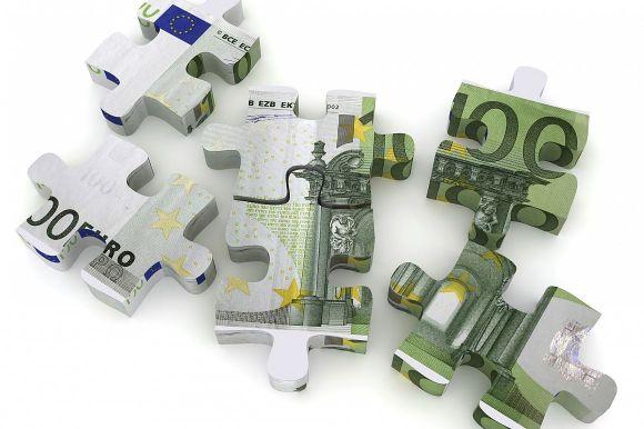 Eurobiljet in puzzelstukjes, meer huurders recht op huurtoeslag