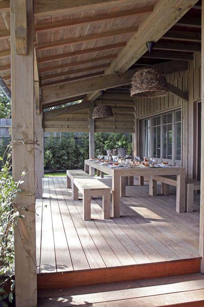 een houten veranda via cotemaison