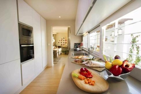 kjøkkenbenk vindu
