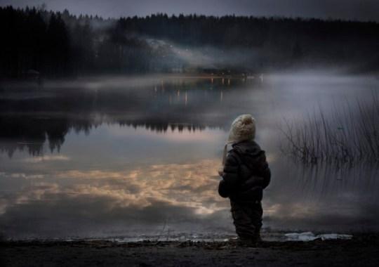 Fotografía observando el lago trabajo de luz