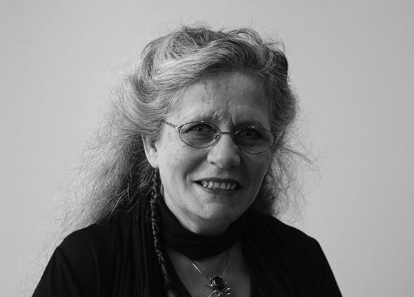 Picture of Dr Lynne Kelly