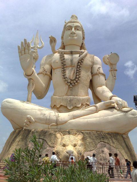Nageshwar Statue