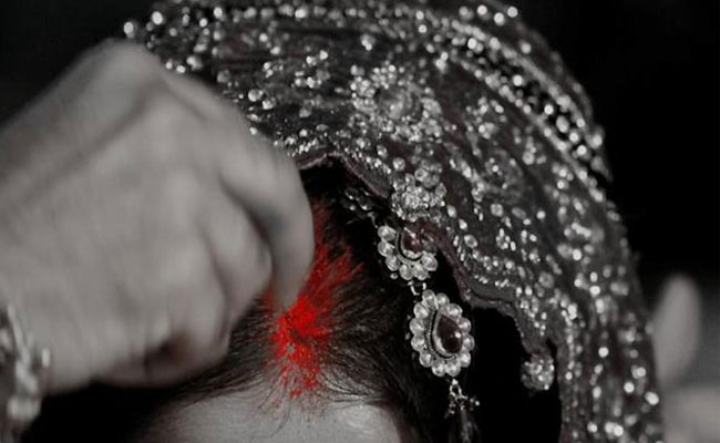 Why Married Women Apply Sindoor Or Vermillion