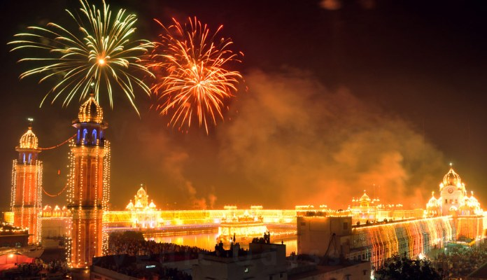 happy-diwali-fireworks-india