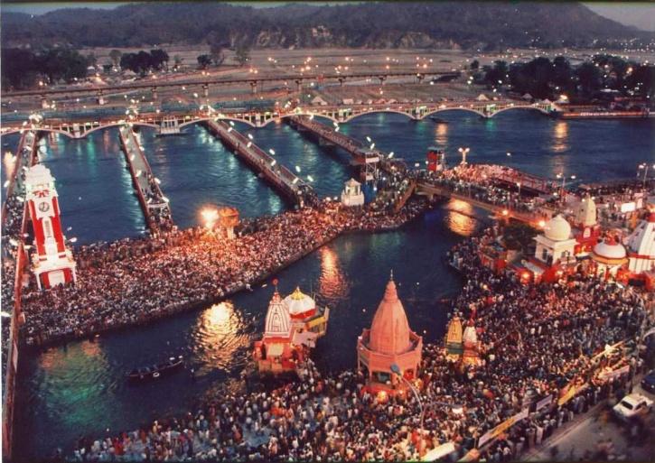kumbh-mela-big-image-1-maha-kumbh-festival_1418630156_725x725.jpg