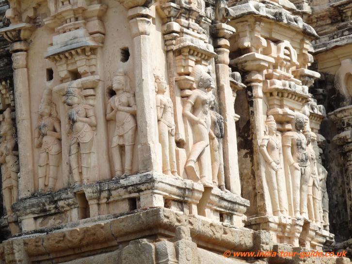 Virupaksha-Temple-carvings