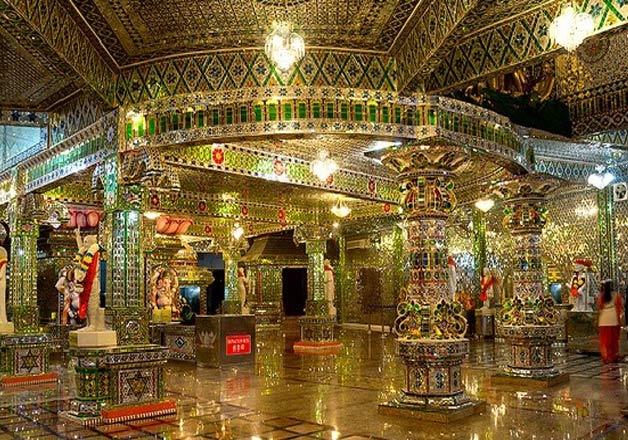 1432906655Arulmigu Sri Rajakaliamman  - 31 Hindu Temples Outside of India that You Should Visit