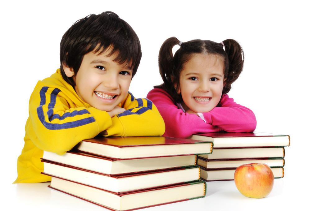 Sweet School Kids Playing Wallpaper Wordzz