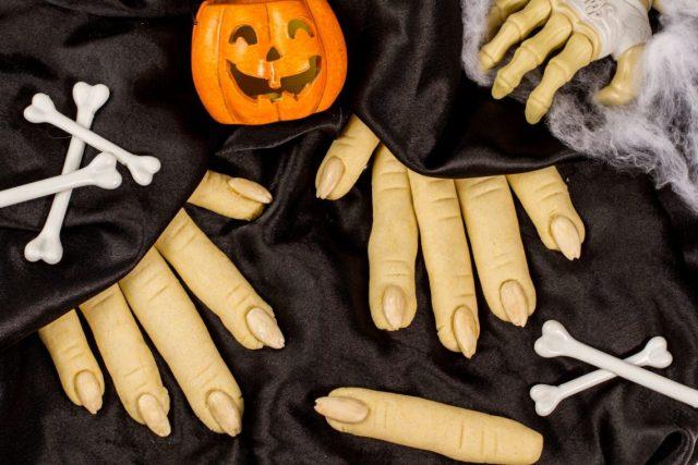 Dita della Strega per Halloween
