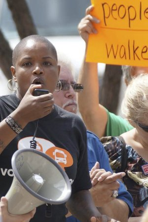 Angela Walker from Amalgamated Transit Union Local 998 at Aug. 2 protest in Milwaukee.Photo: Occupy Riverwest