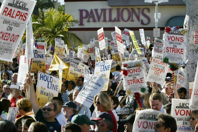 Los Angeles grocery workers strike in 2003.