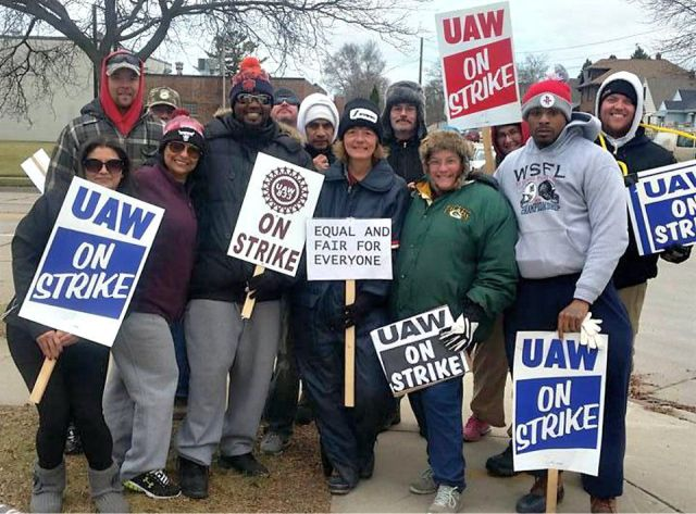 Kohler strikers and supporters in Wisconsin.Photo: UAW Region 4