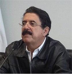 Honduran President Mel Zelaya defends Venezuela.WW photo: John Catalinotto