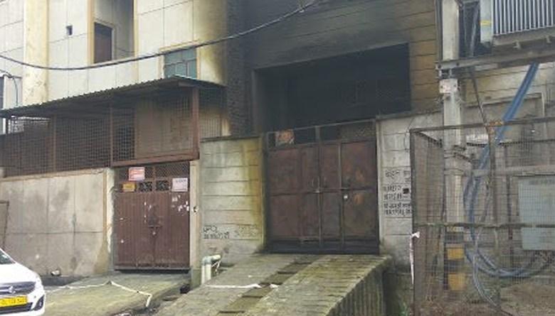 Photo of बवाना इंडस्ट्रीयल क्षेत्र फैक्टरीमें आग लगने से मजदूरों की जलकर हुई मौत पर प्राथमिक जांच रिपोर्ट: