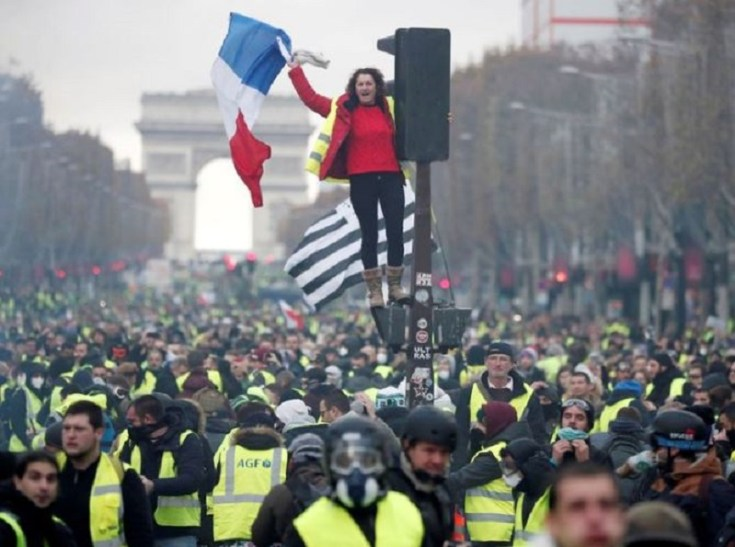 France revolt Anon Government