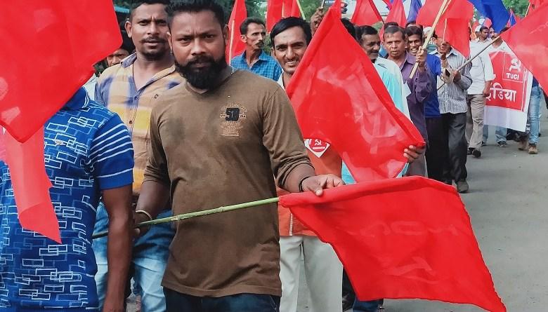 Photo of कोरोना के बहाने मज़दूरों को डेढ़ सौ साल पीछे धकेलने की साज़िश, मई दिवस को प्रतिरोध दिवस बनाने की अपील