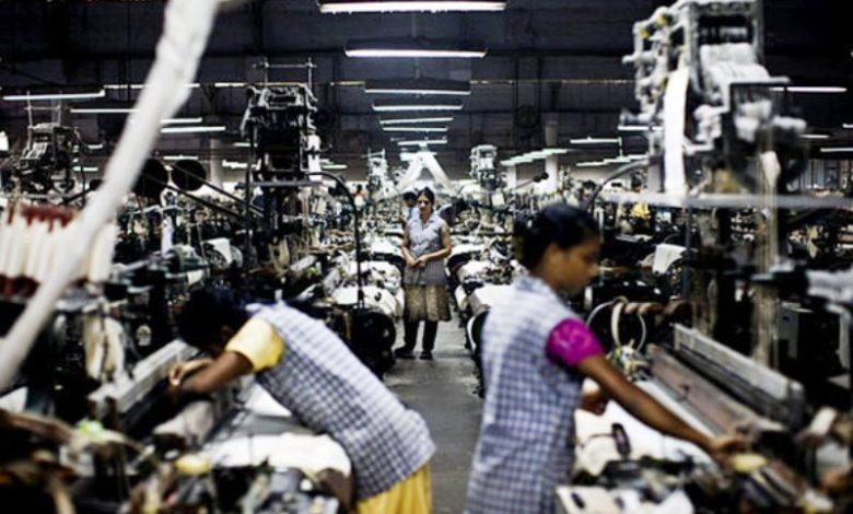 Photo of क्या सिडकुल की इस फैक्ट्री में बंधक हो गई हैं महिला मजदूर