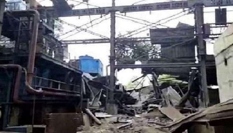 Photo of मज़दूरों की जान सस्ती: रायपुर इस्पात फैक्ट्री में गर्म लोहे का टैंक गिरेने से 12 मज़दूर झुलसे
