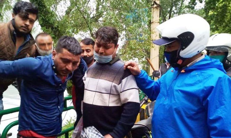 Photo of उत्तराखंड: बेरोजगारी से तंग आकर बाइक टैक्सी चालक नैनी झील में कूदा