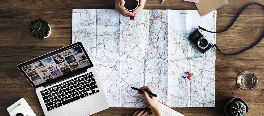25 Cool Travel Accessories and Gadgets That Every Traveler Needs!