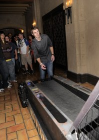 capcom-lost-planet-2-launch-party-robert-buckley-skeeball3