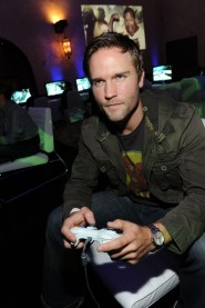 capcom-lost-planet-2-launch-party-scott-porter-gaming