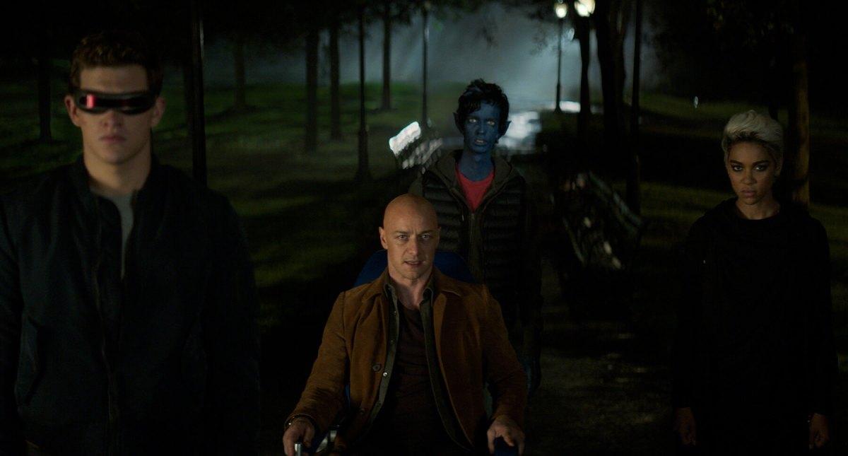 The X-Men arrive to stop the Dark Phoenix.