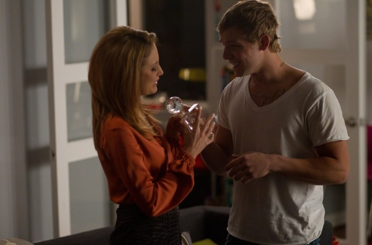 max-thieriot-naked-pictures-blonde-girls-nude