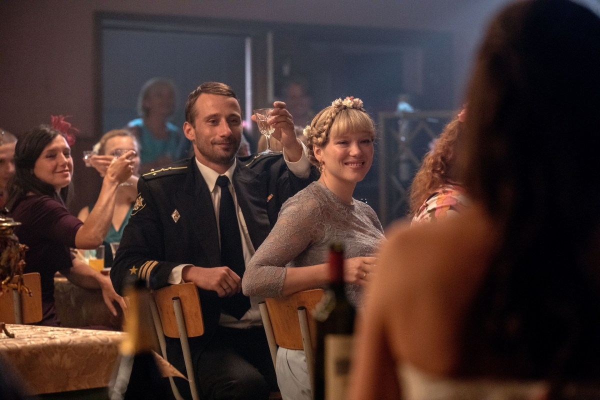 Matthias Schoenaerts and Léa Seydoux in The Command (2019).