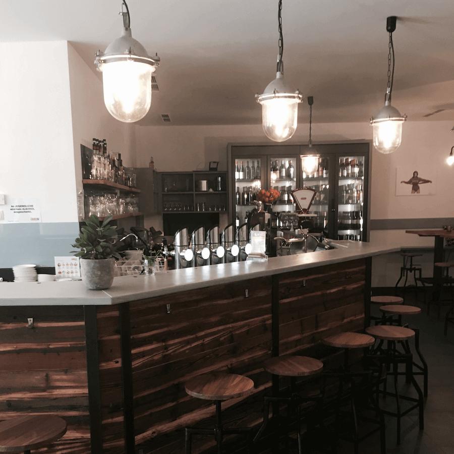 Die Bar im Jussi